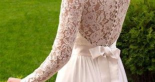 Elegant Lace Long Sleeves Wedding Dress with Chiffon Skirt